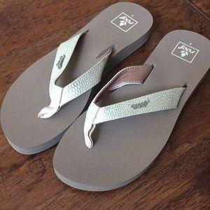 Women's reef sandals, size 9